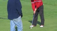 W sobotę odbył się ostatni turniej golfowy z tegorocznego cyklu Olszewka Cup 2006. Mimo załamania pogody, gdy słońce ustąpiło miejsca uporczywej mżawce i silnemu wiatrowi gracze walczyli do końca, a poziom, zwłaszcza w czołówce, był naprawdę wyrównany - różnica między pierwszym a piątym graczem to jedynie trzy punkty!