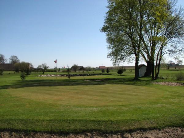 """<a href=""""http://golf-olszewka.pl/wp-content/uploads/2010/04/img_0922.jpg""""></a>25. kwietnia 2010 - wiosna w końcu się rozkręca!"""