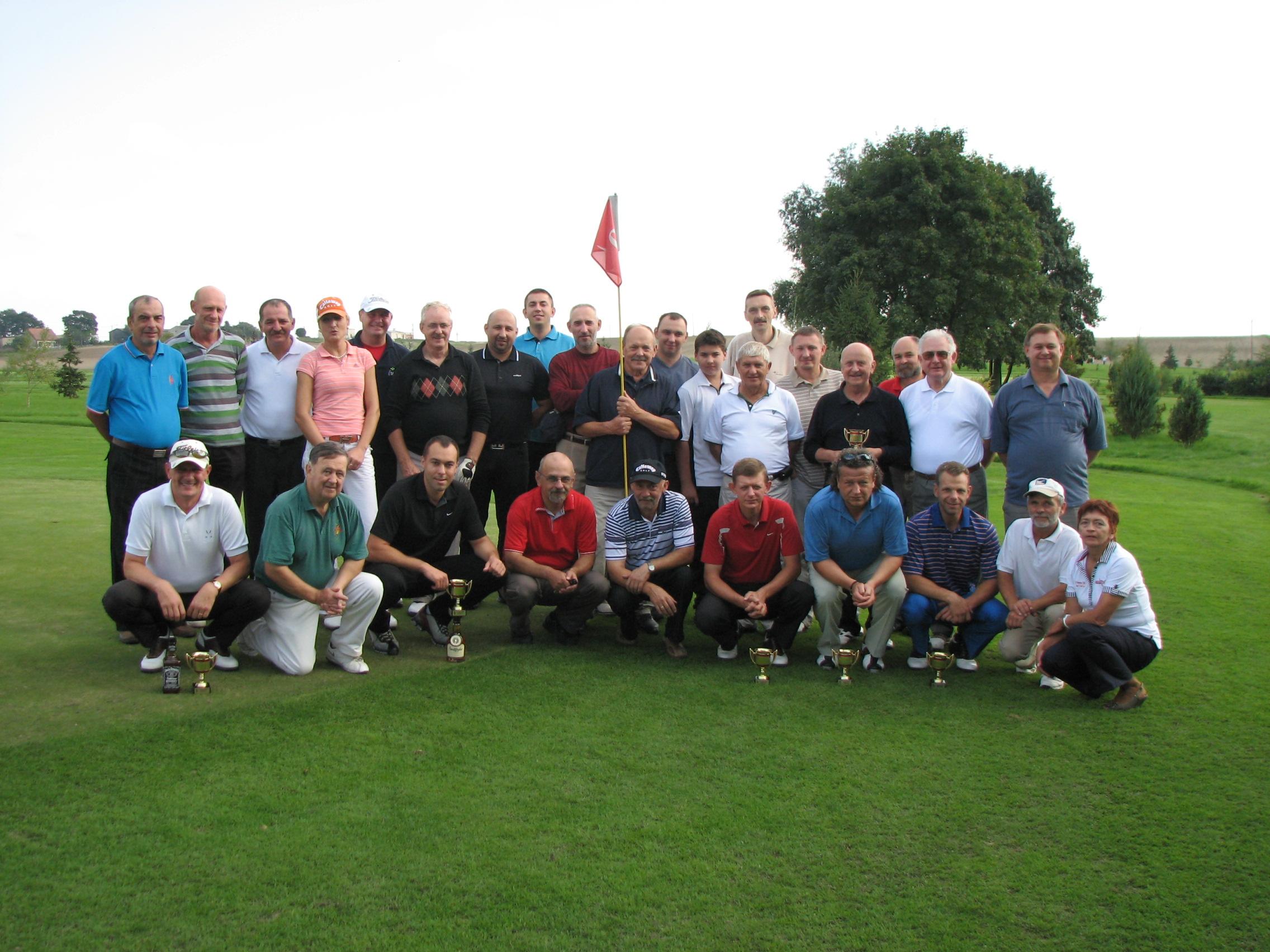 """<a href=""""http://golf-olszewka.pl/wp-content/uploads/2010/09/img_1833.jpg""""></a>Uczestnicy wrześniowego turnieju"""